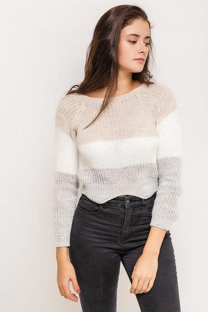 Krátky béžový dámsky sveter s trojštvrťovým rukávom