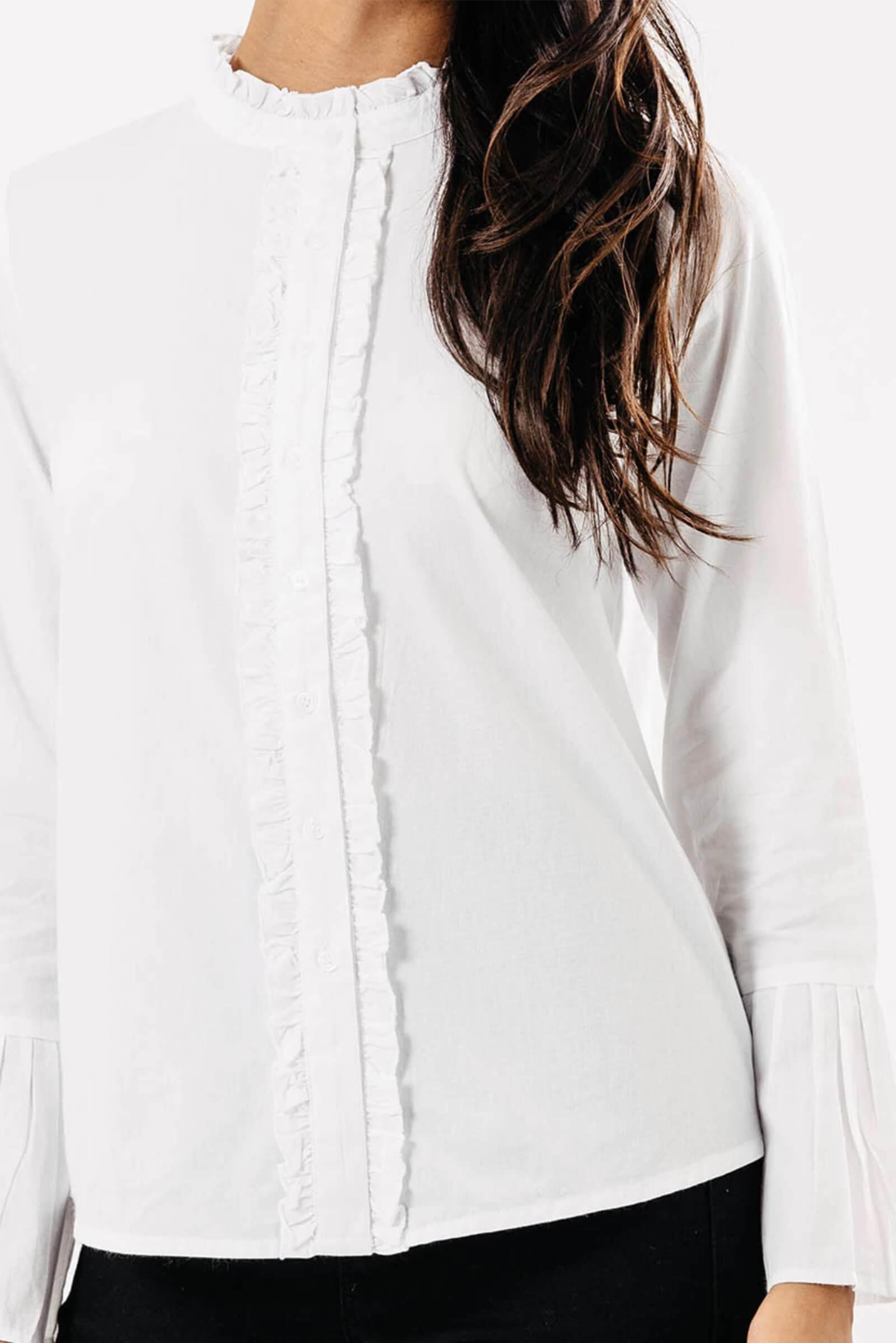 48f0afe95707 Biela dámska košeľa s volánikmi - ROUZIT.SK