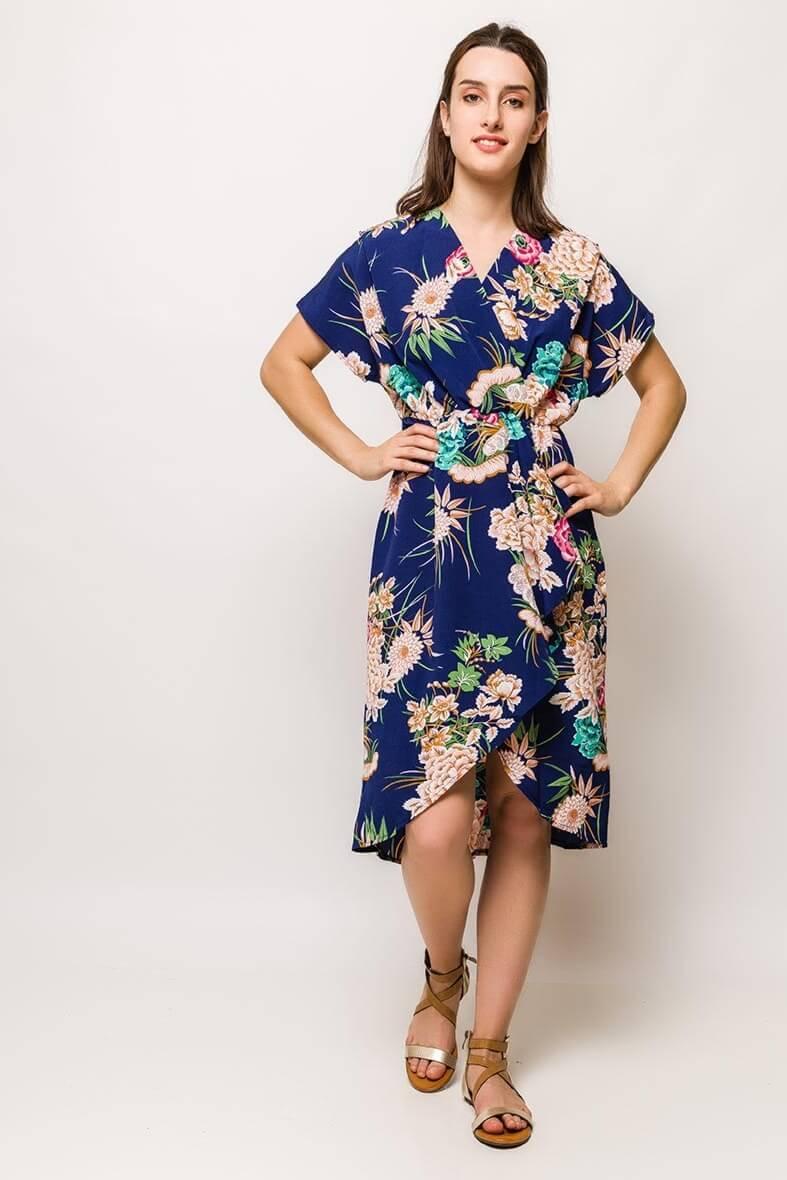 Tmavomodré midi šaty s kvetinovým vzorom - ROUZIT.SK d26e4d6869a