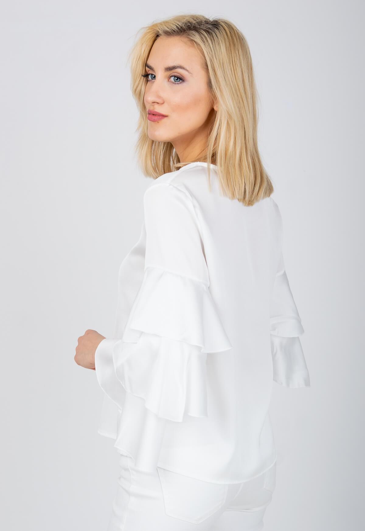 2309aff3a41f Elegantná biela blúzka s volánovými rukávmi - ROUZIT.SK