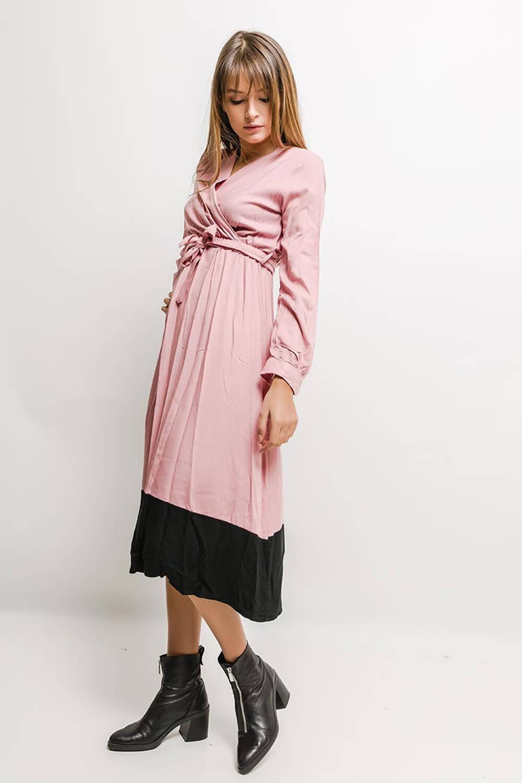 263c917b0ebf Elegantné polodlhé šaty svetloružovej farby - ROUZIT.SK
