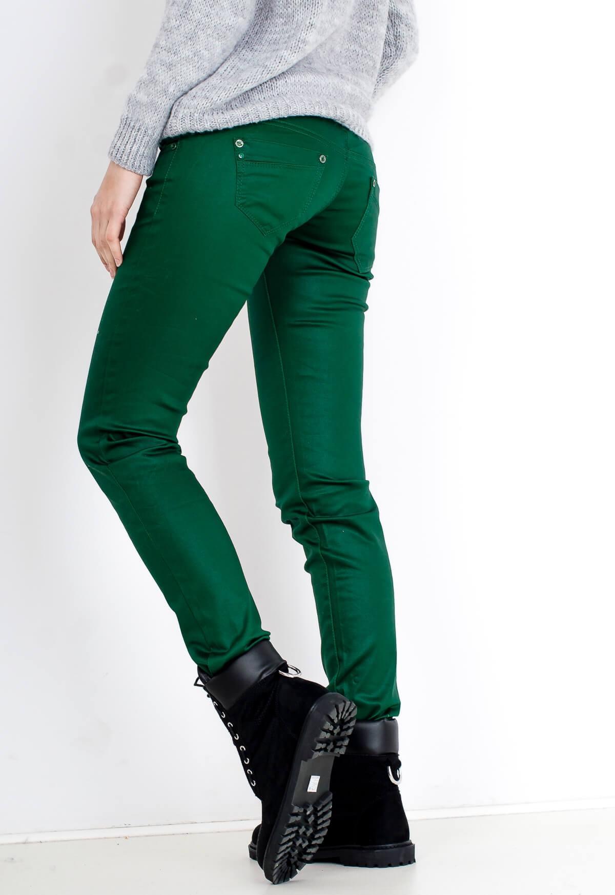 850a01724469 Štýlové dámske zelené nohavice - ROUZIT.SK