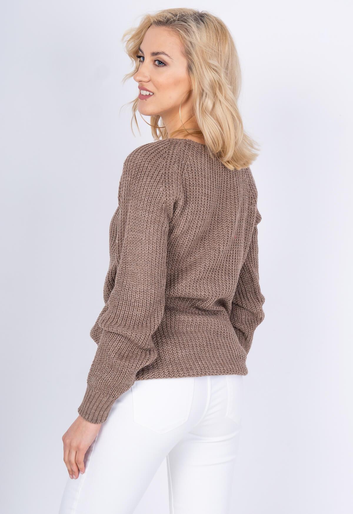 40a2dde5bf88 Hnedý dlhý vzorovaný sveter - ROUZIT.SK