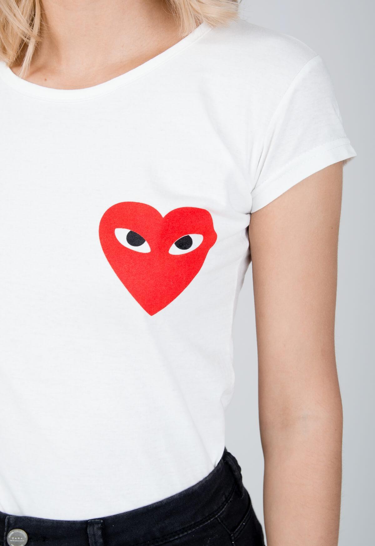 24dbeff26fc8 Klasické biele tričko s krátkym rukávom a potlačou srdiečka - ROUZIT.SK