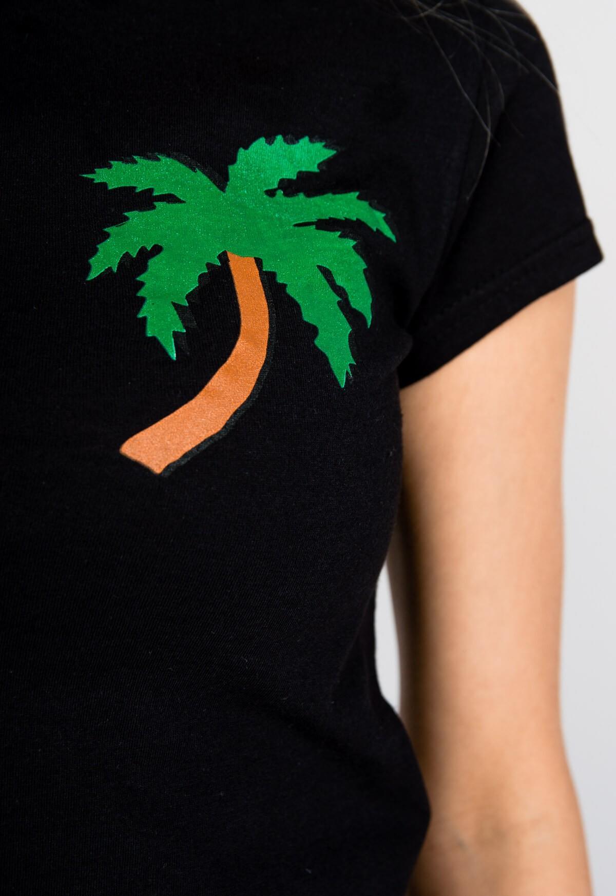 8dd3cf5b37bce Pohodlné čierne tričko s krátkym rukávom - ROUZIT.SK