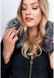 Dámska čierna zimná bunda s kapucňou