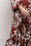 Elegantné asymetrické šaty s kvetinovým vzorom