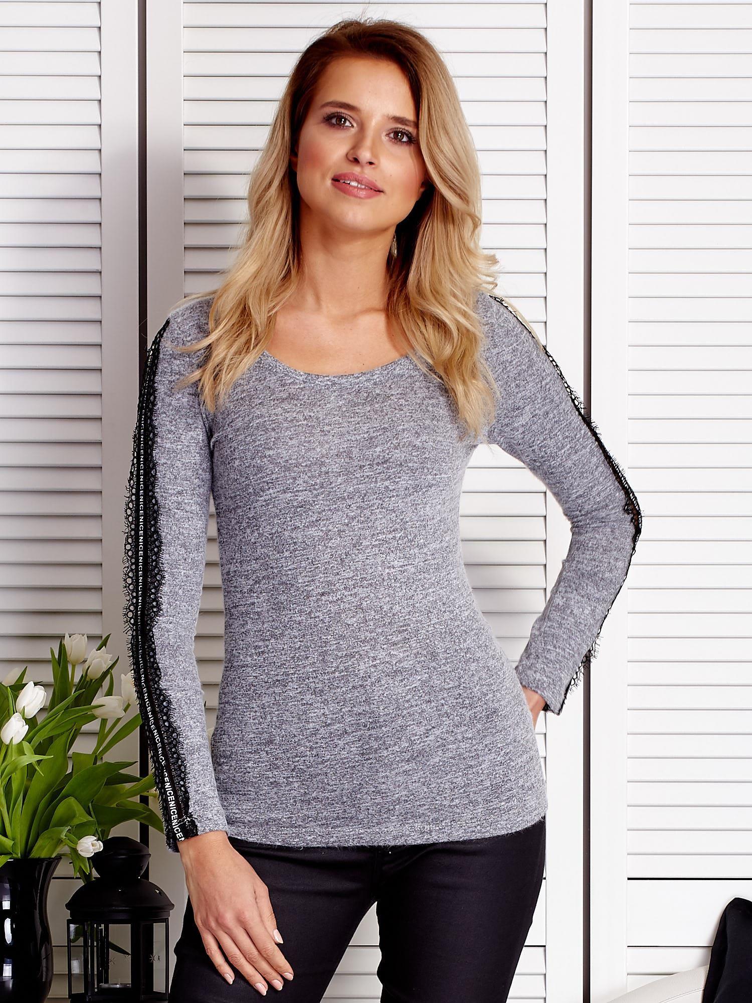 Sivé tričko s dlhým rukávom s čipkovaným lemom - M