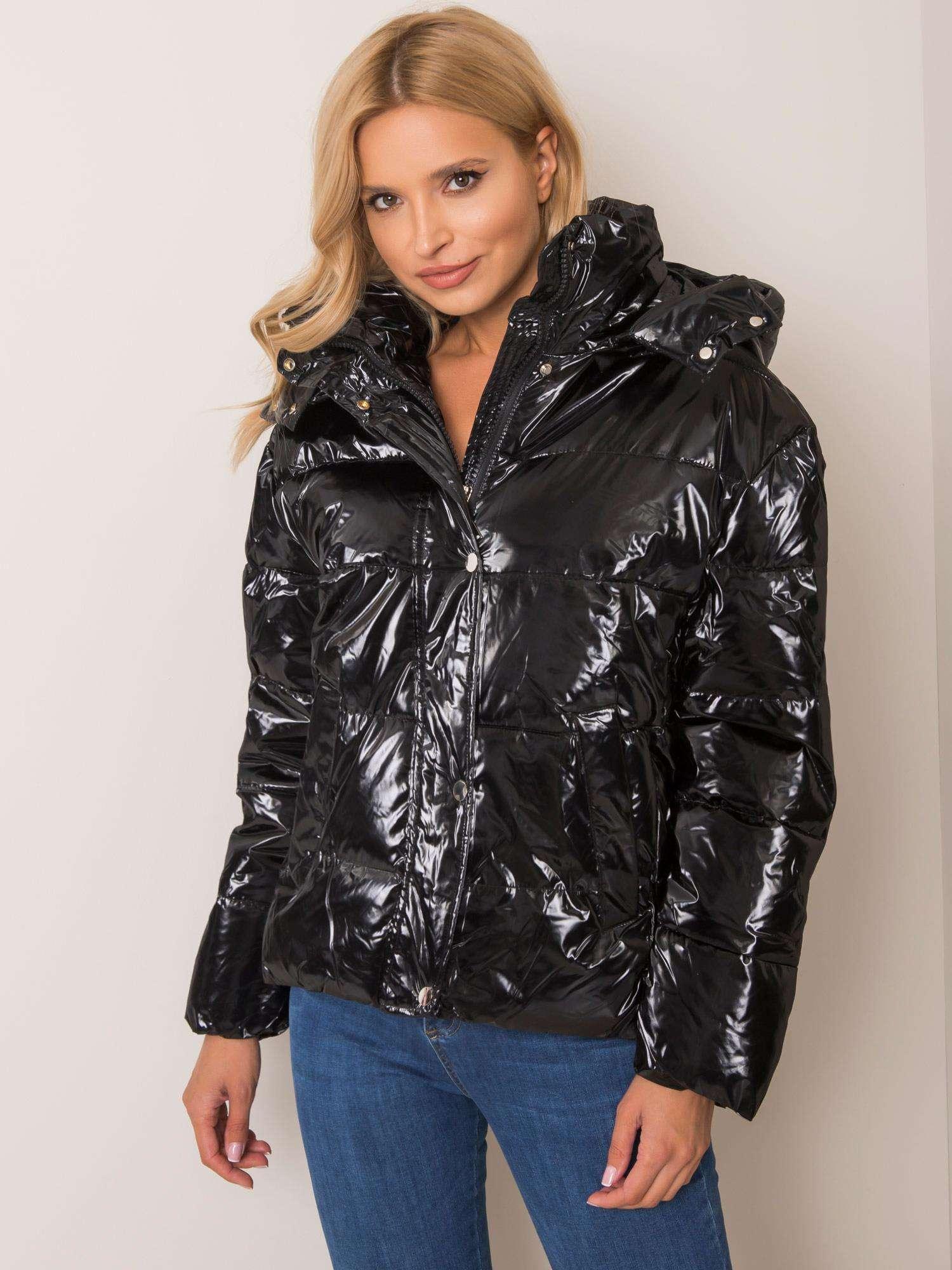 Čierna zimná bunda s kapucňou - M