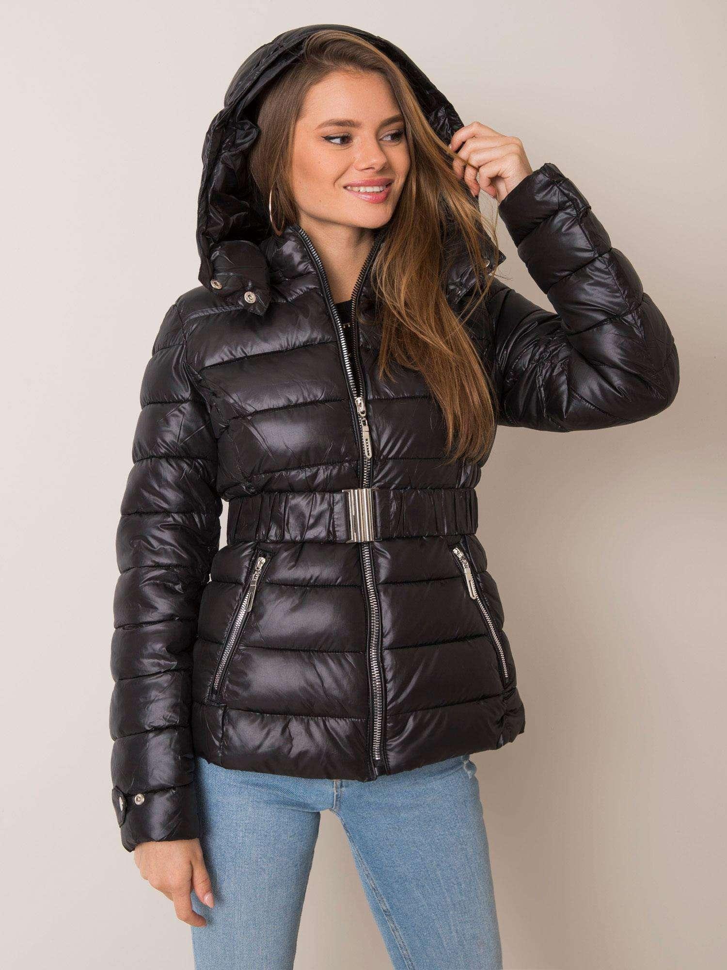 Čierna zimná bunda s opaskom - M