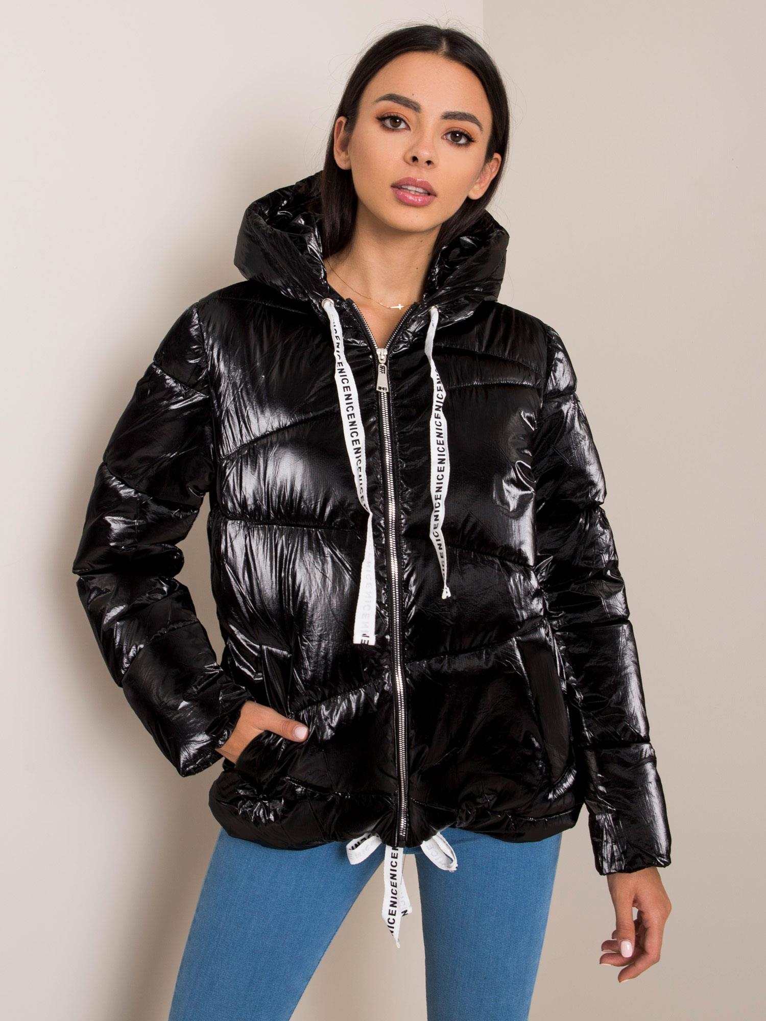 Čierna prešívaná bunda s kapucňou - XXL