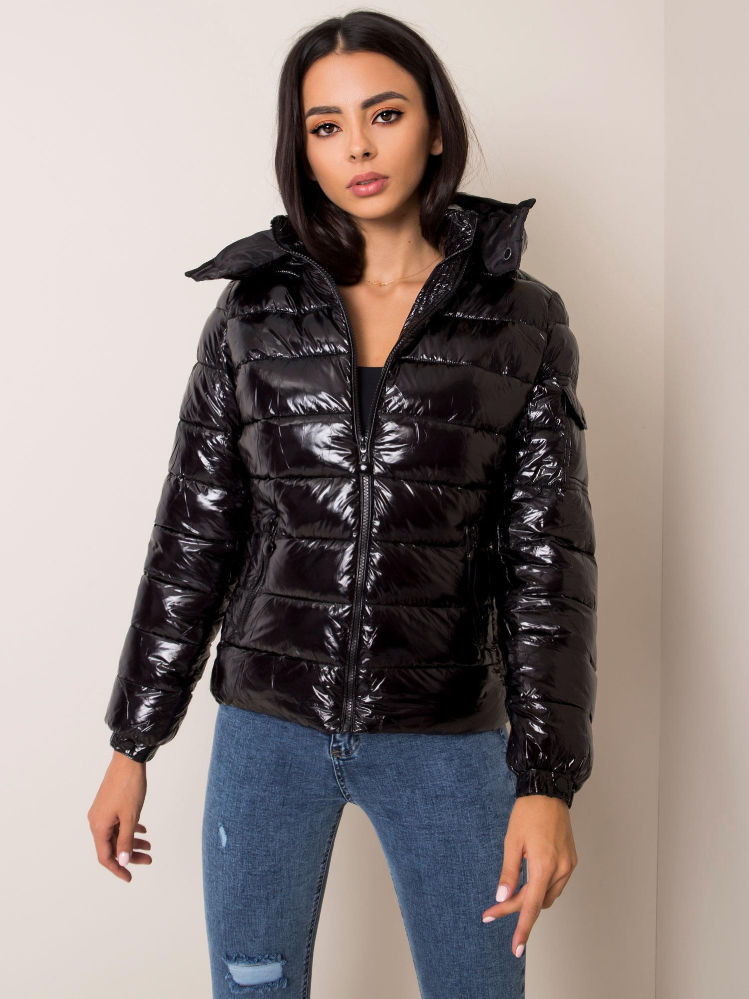 Zimná prešívaná čierna bunda - S