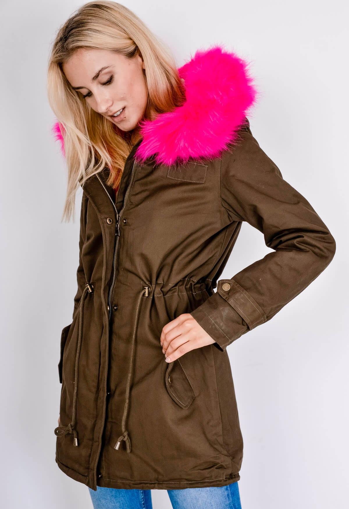 Dámska hnedá parka bunda s ružovou kožušinkou