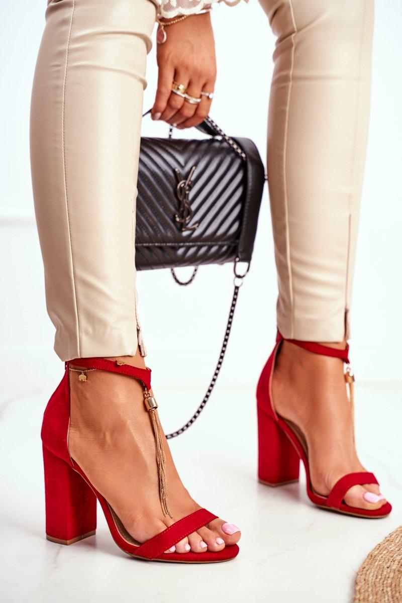 Dámske semišové sandále v červenej farbe s viazaním okolo členku - 36