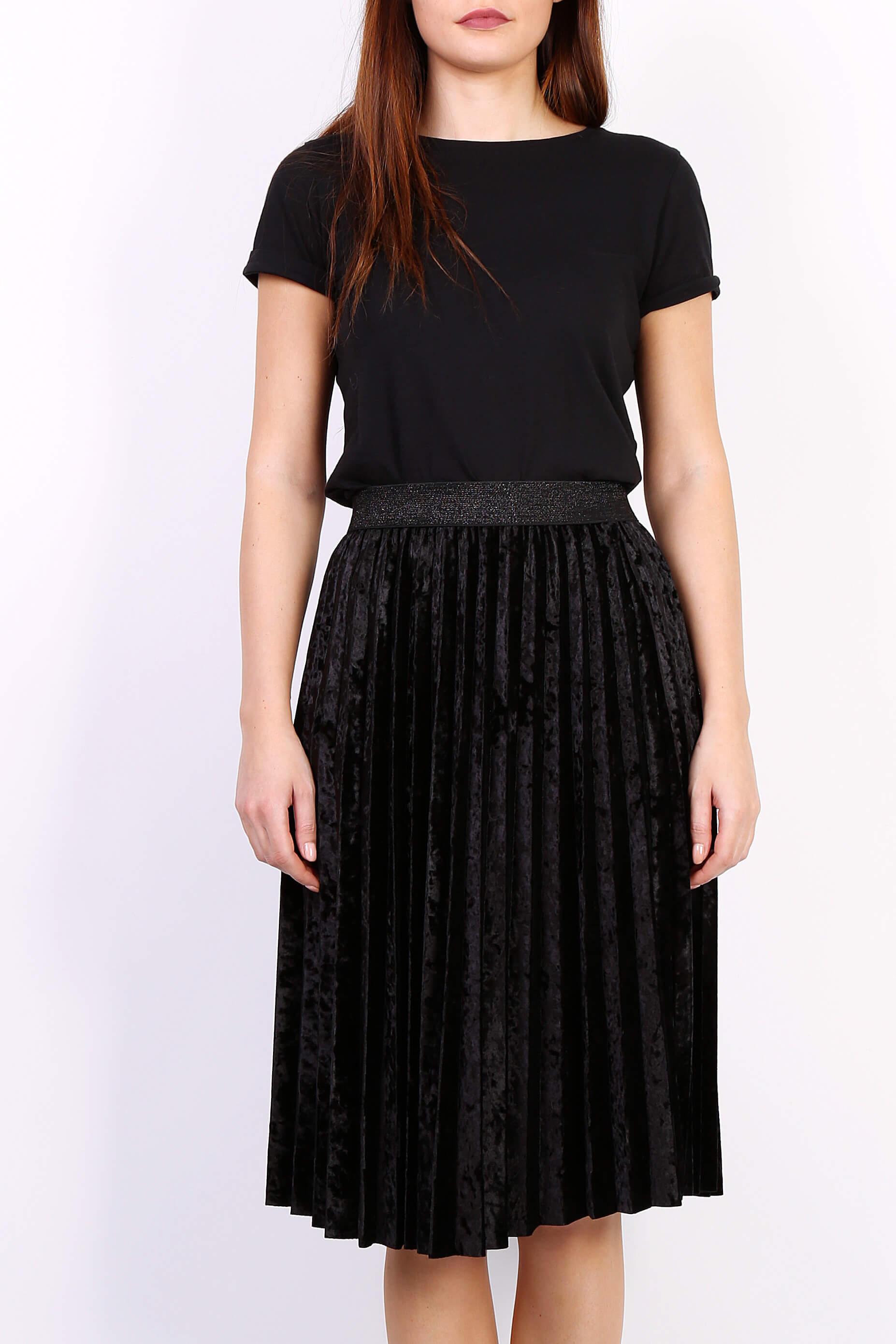 07946361ace5 Čierna plisovaná stredne dlhá sukňa - ROUZIT.SK