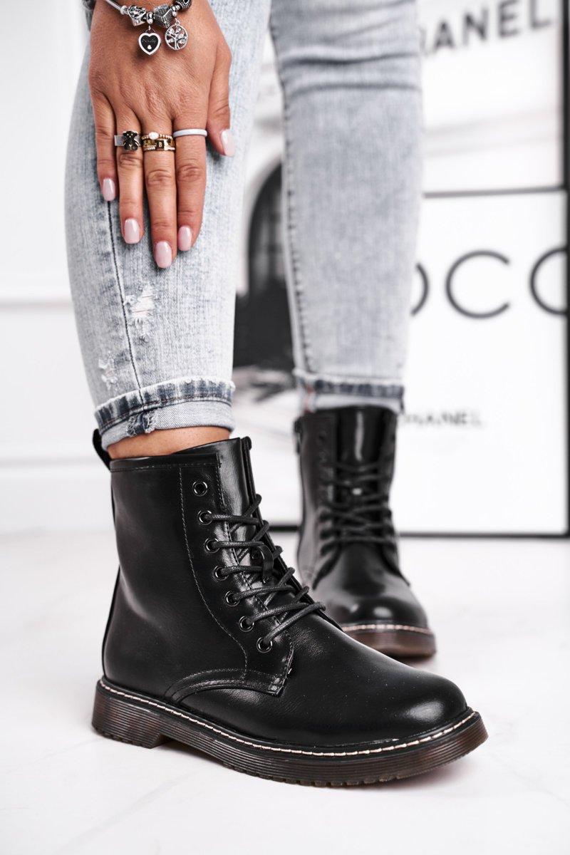 Čierne dámske členkové topánky na šnurovanie - 38