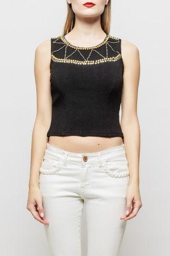 Čierny top na ramienka zdobený perlami