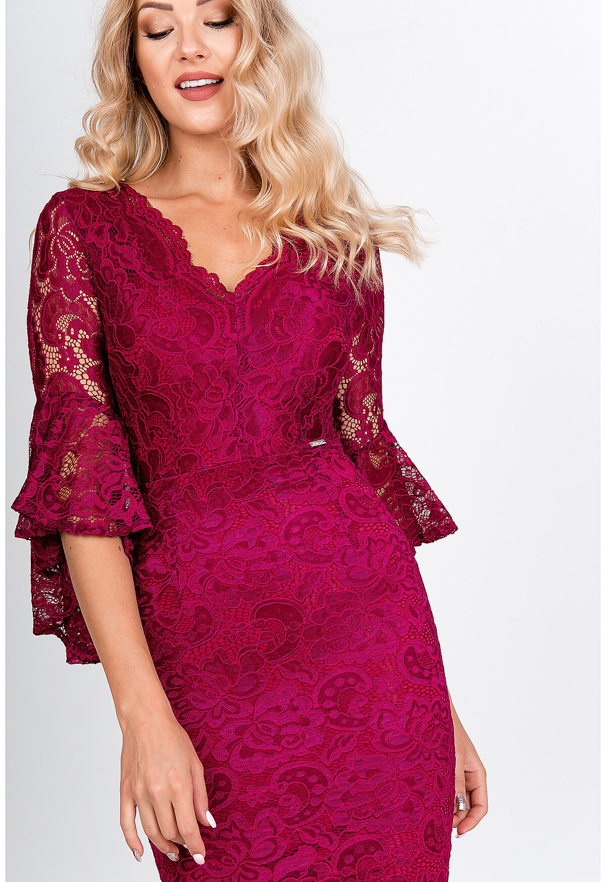 Elegantné čipkované šaty amarantovej farby - M