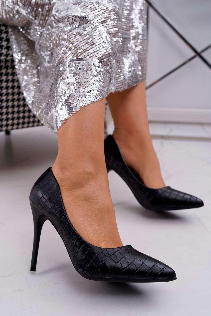 Elegantné dámske čierne lodičky so vzorom - 39