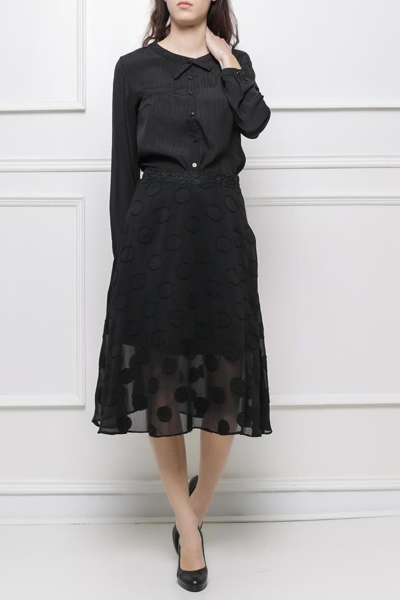 Dámska čierna sukňa s guličkovým vzorom - XL