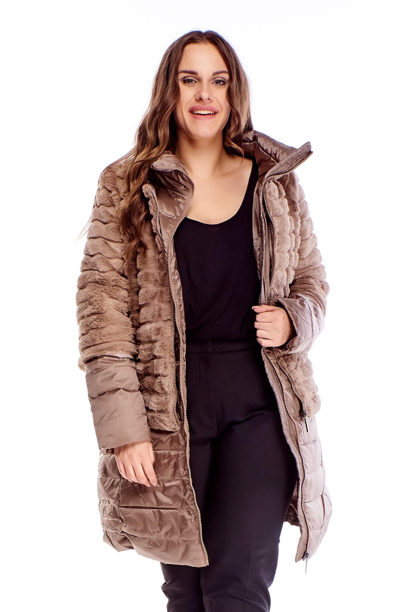 Dámska dlhá hnedá zimná bunda s kožušinou - 46