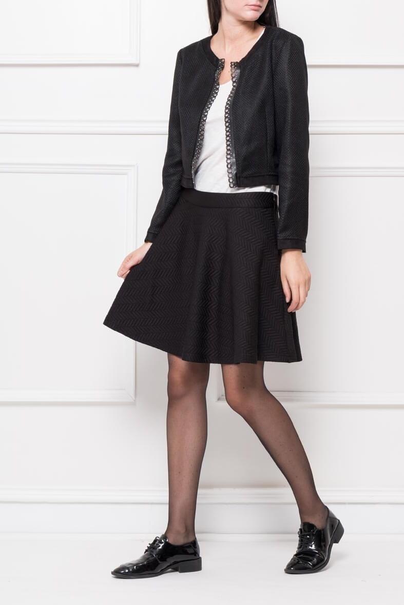 Dámska krátka čierna sukňa - XL