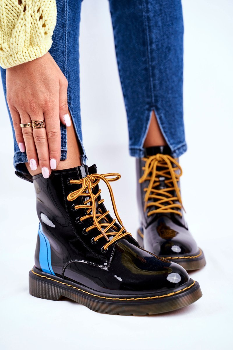 Čierne členkové lakované topánky na šnurovanie - 37