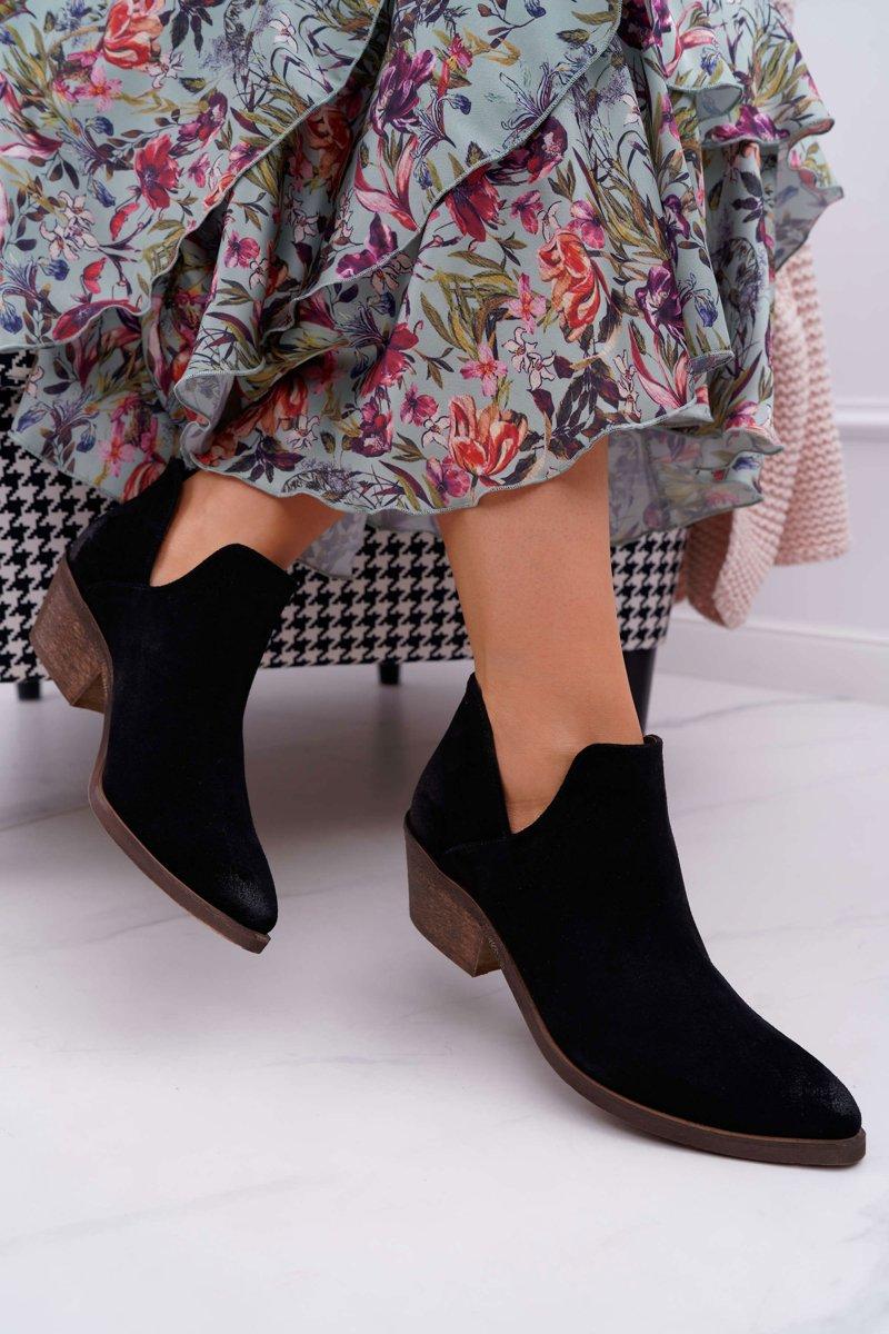 Dámske čierne kožené topánky na plochom podpätku - 37