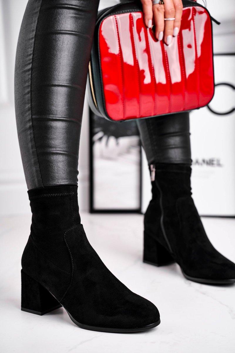 Dámske čierne členkové semišové topánky - 38