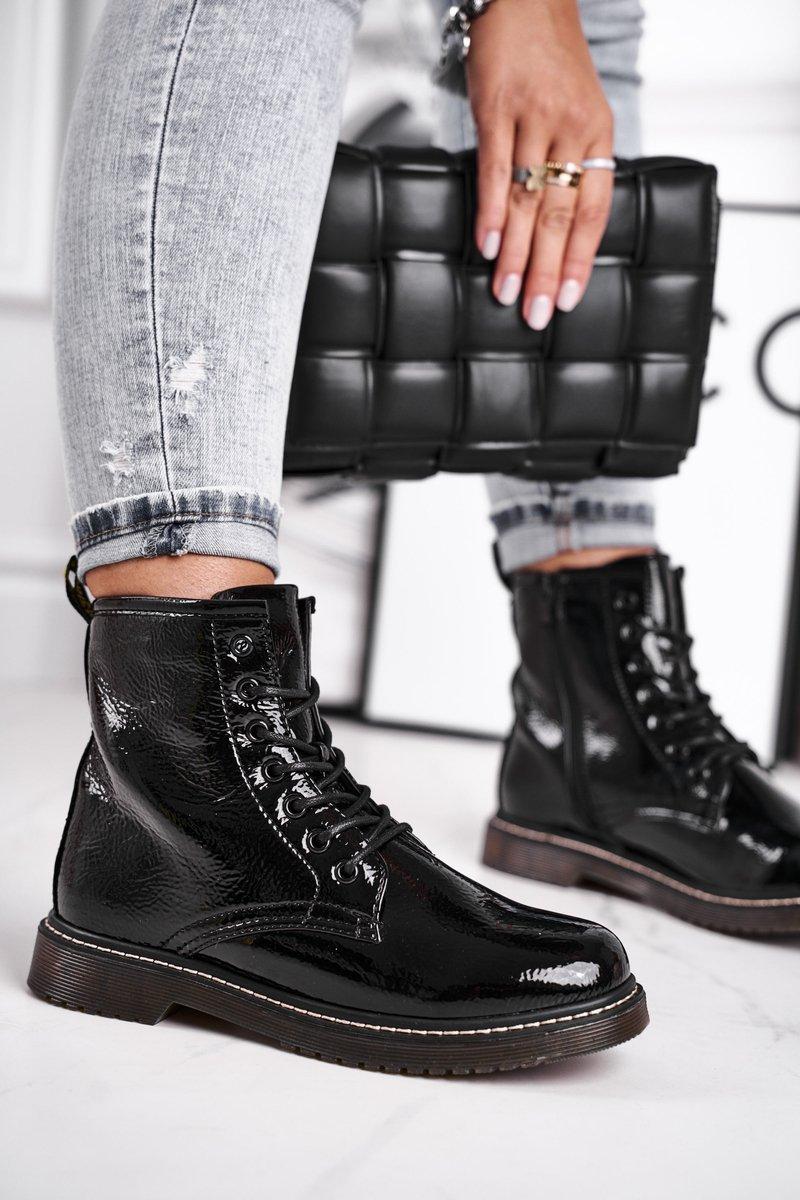 Dámske čierne lakované topánky - 40