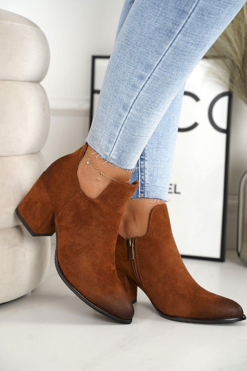 Dámske hnedé členkové topánky s výrezmi - 40
