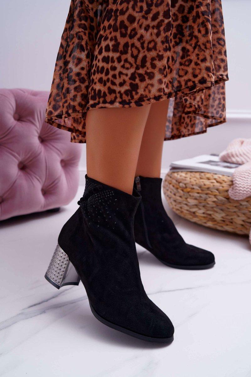 Dámske členkové semišové topánky v čiernej farbe - 40