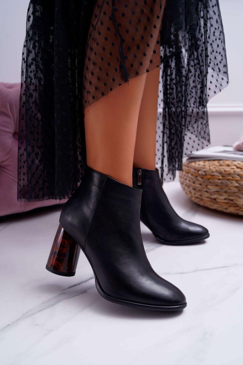 Dámske členkové kožené topánky v čiernej farbe - 40