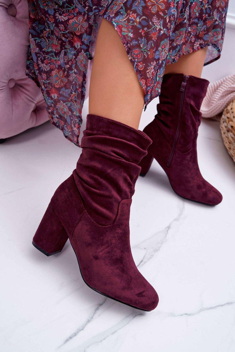 Dámske členkové semišové topánky v bordovej farbe - 40