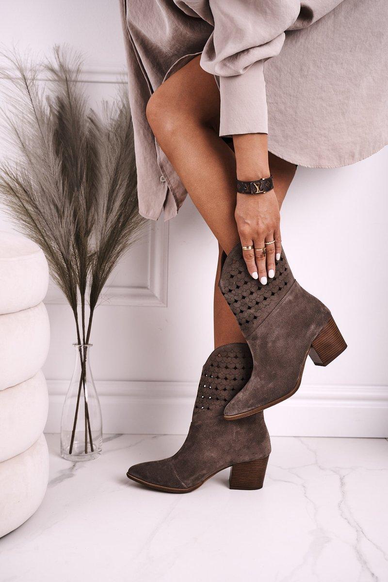 Dámske hnedé semišové členkové topánky - 37