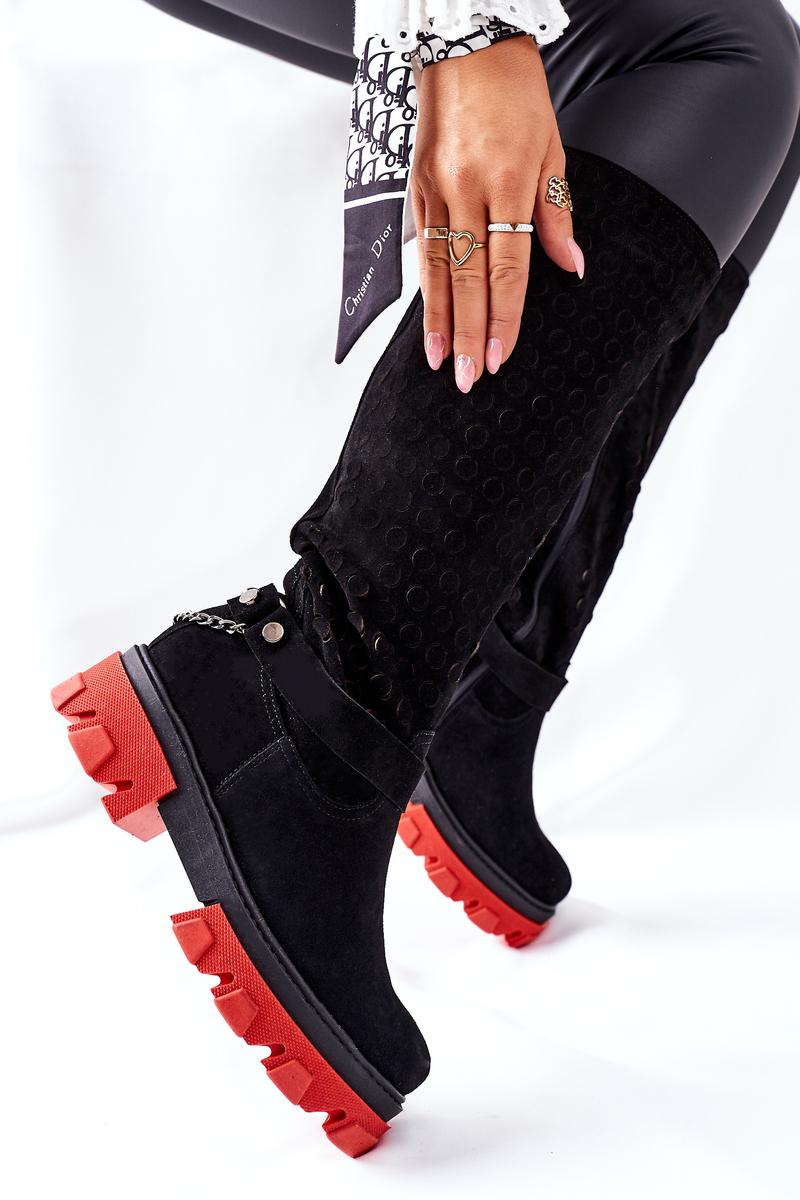 Čierne kožené čižmy s retiazkou - 39