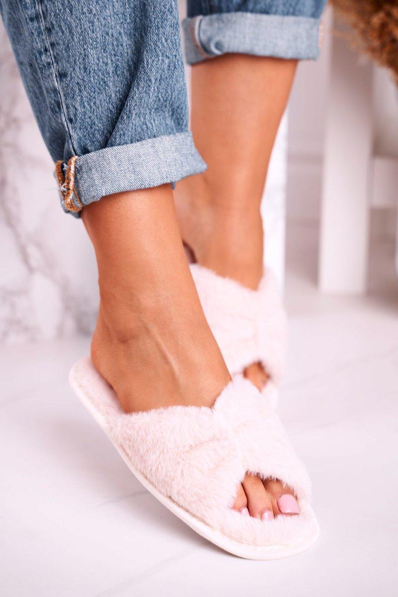 Dámske béžové kožušinové papuče - 38