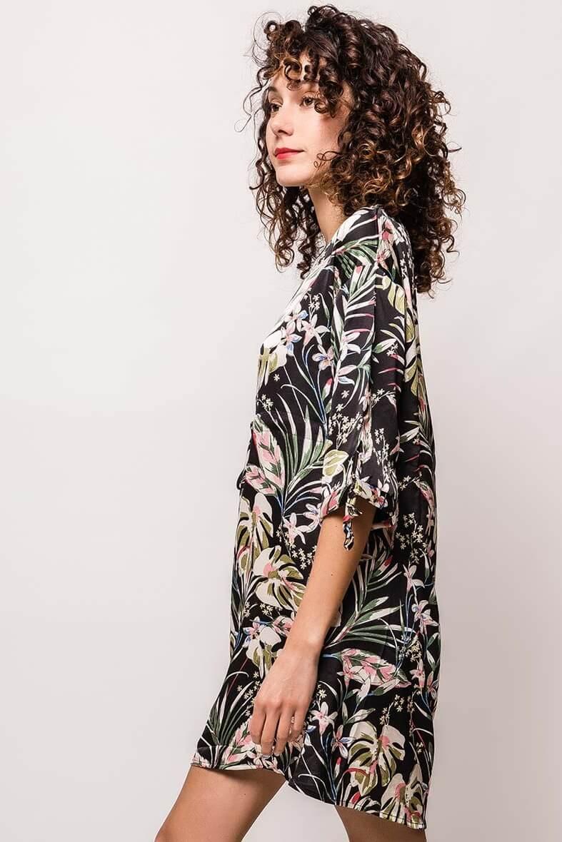 Dámske krátke šaty s potlačou tropických listov - ROUZIT.SK cb8caf0ff5f