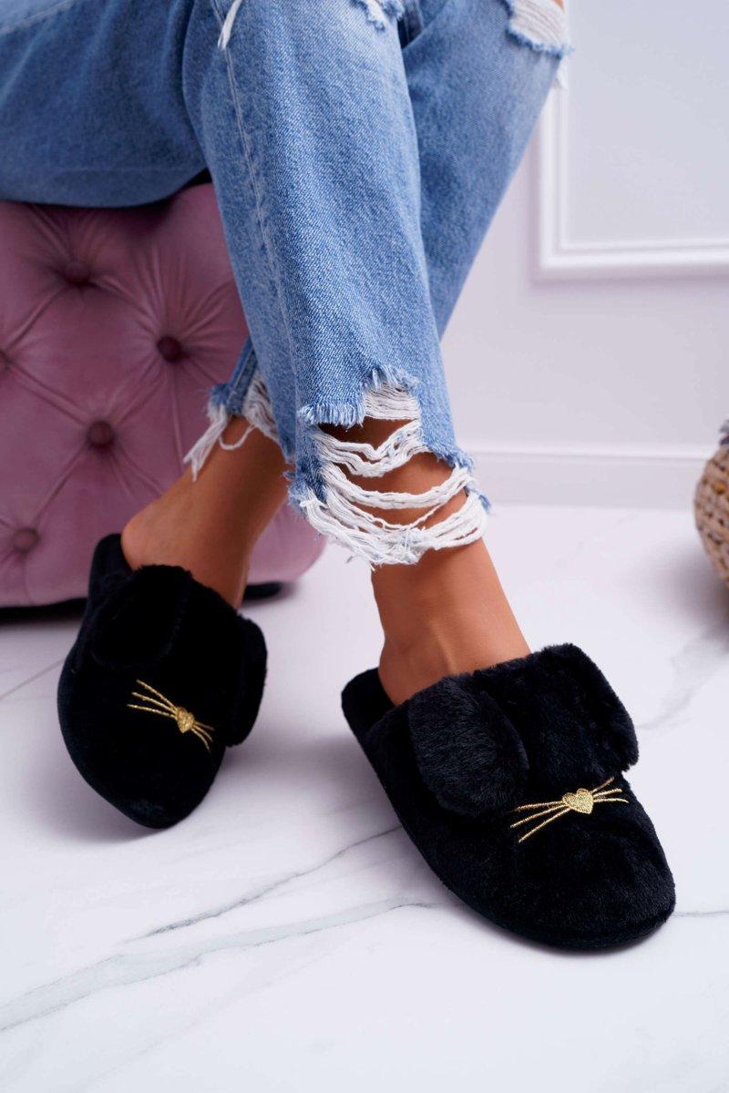 Dámske papuče s kožušinou v čiernej farbe - 36/37