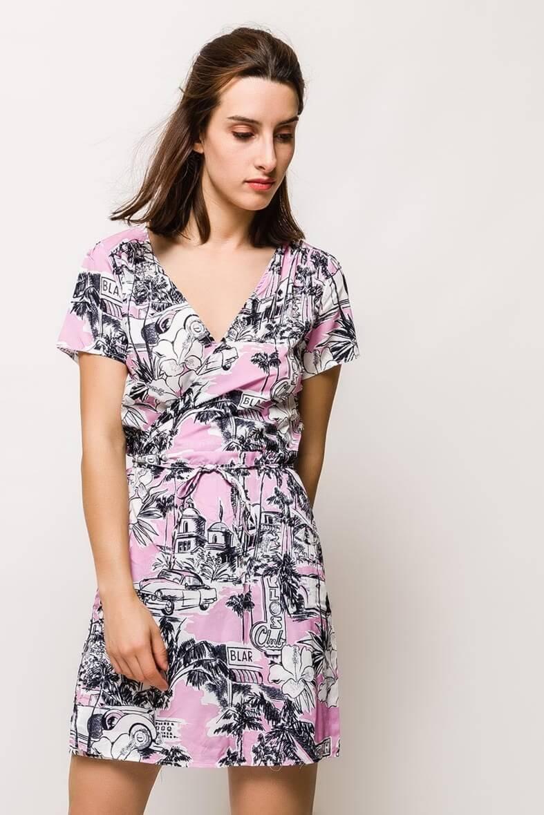 Dámske ružové šaty s potlačou
