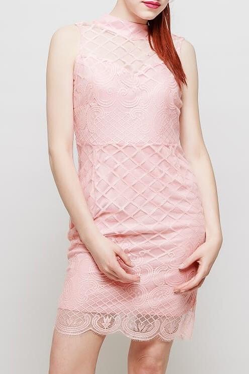 Dámske ružové úzke šaty s krajkou - L