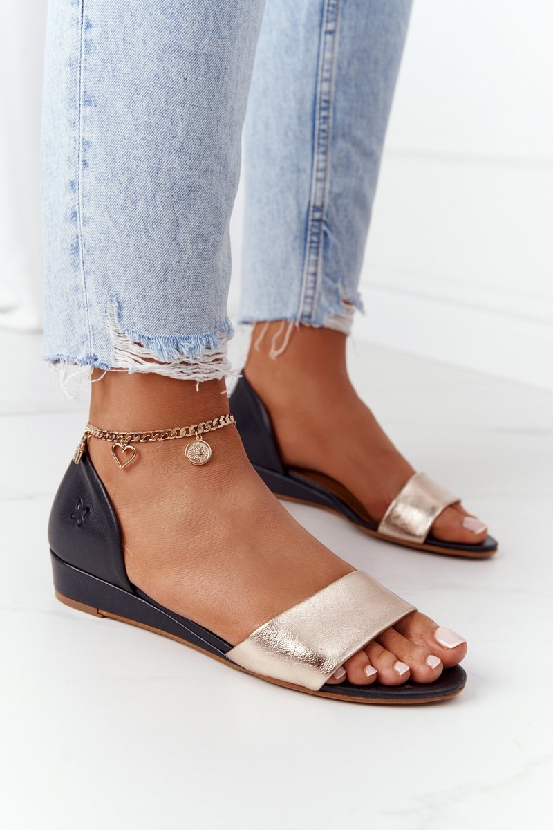 Dámske čierne sandále na klinovom podpätku - 41