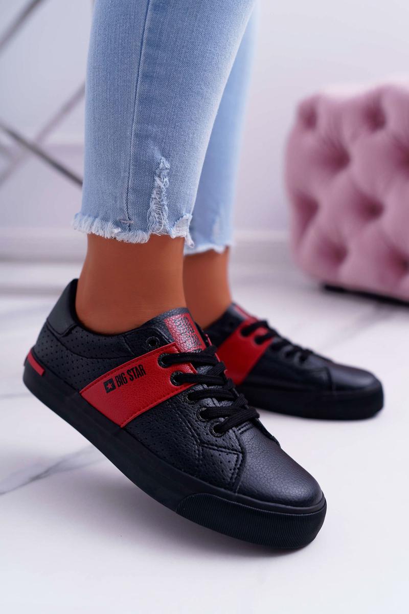 Pohodlné dámske kožené tenisky v čiernej farbe - 40