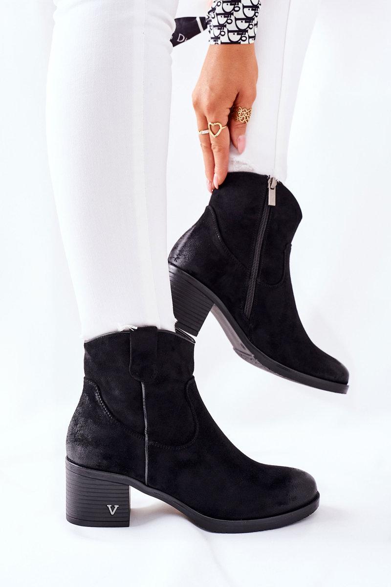 Čierne semišové členkové topánky - 36