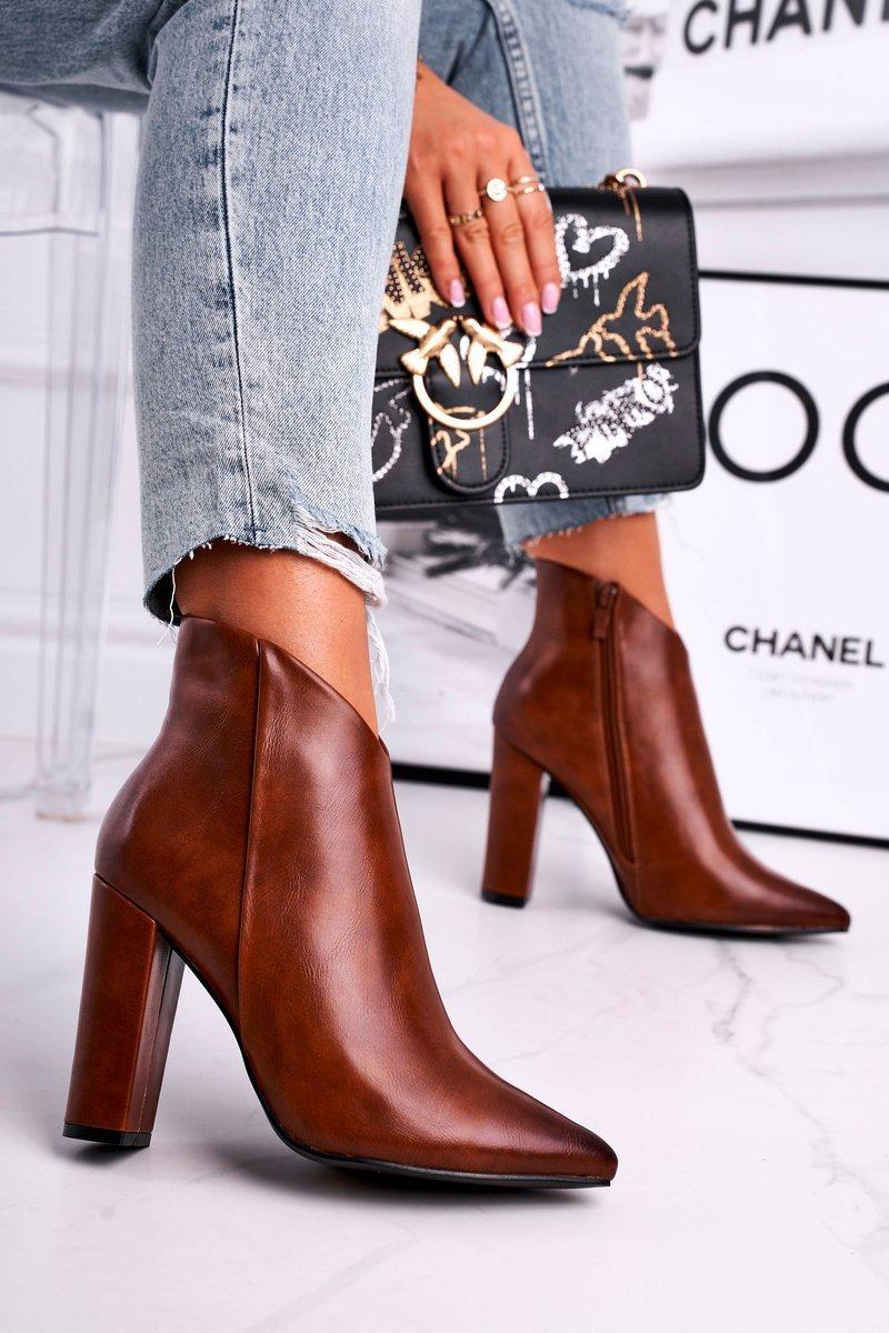 Dámske hnedé topánky so špicatou špičkou - 36