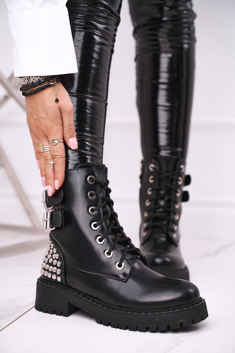 Čierne členkové topánky s prackami a ozdobami - 40