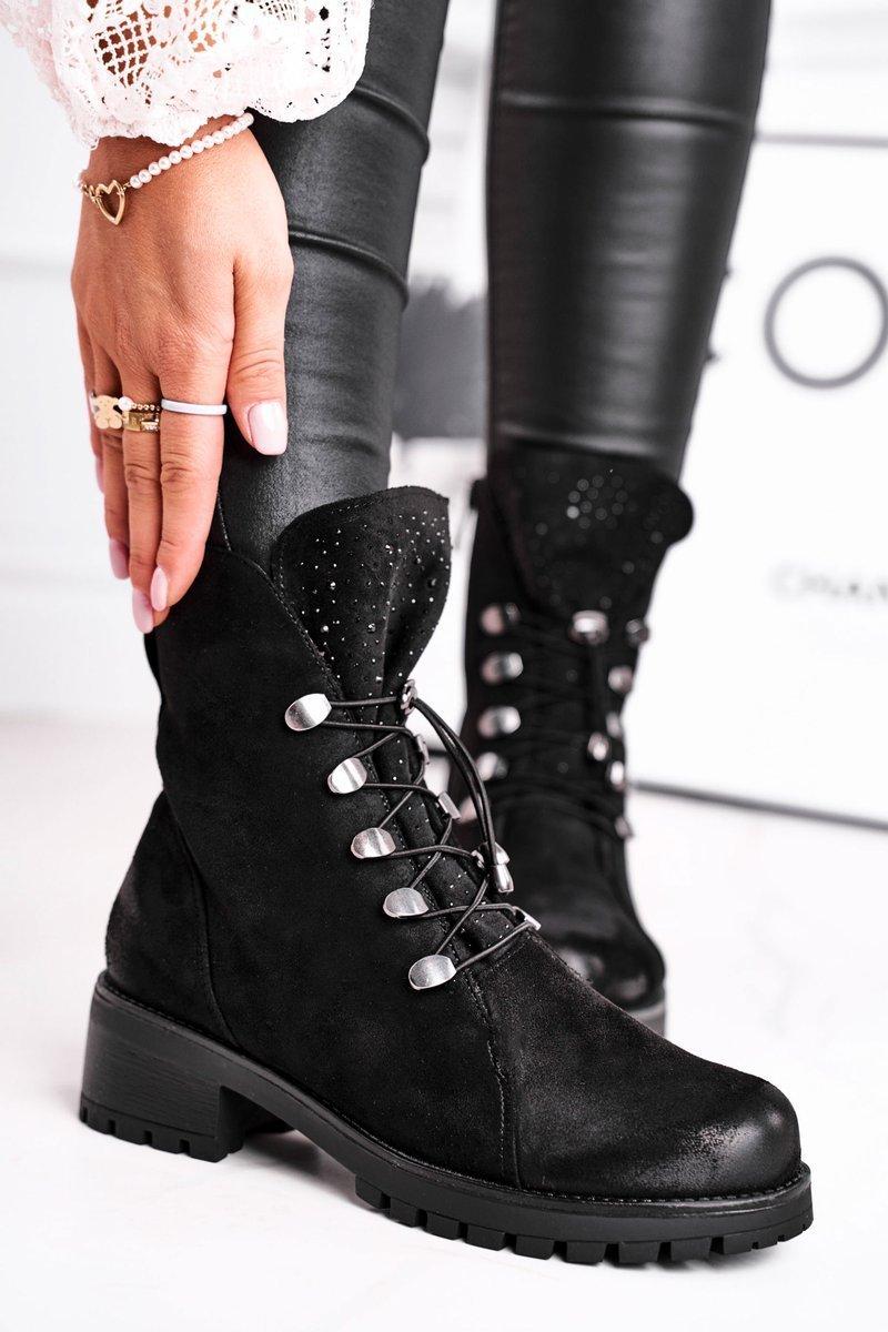 Dámske čierne topánky na plochom podpätku - 37