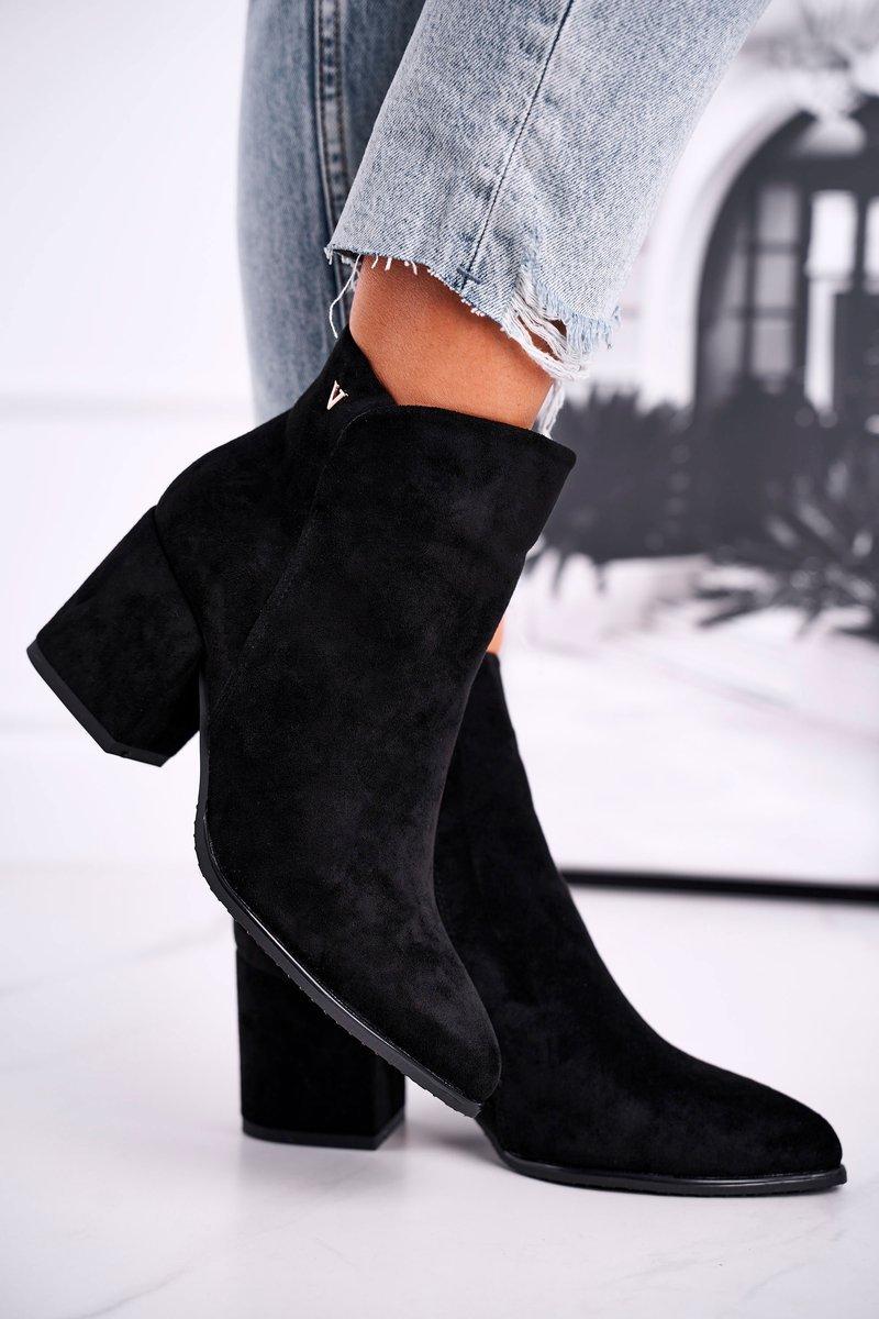 Dámske čierne topánky s ozdobou - 36