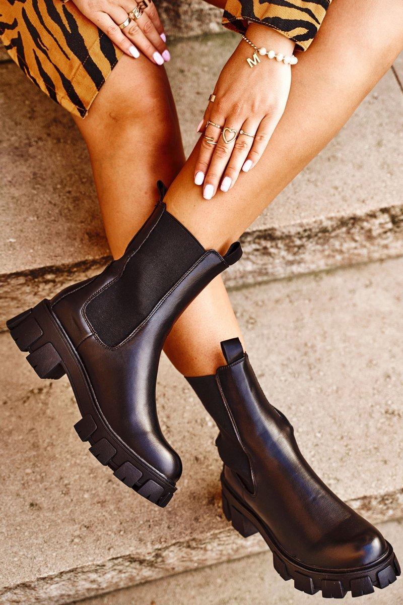 Dámske čierne členkové topánky - 38