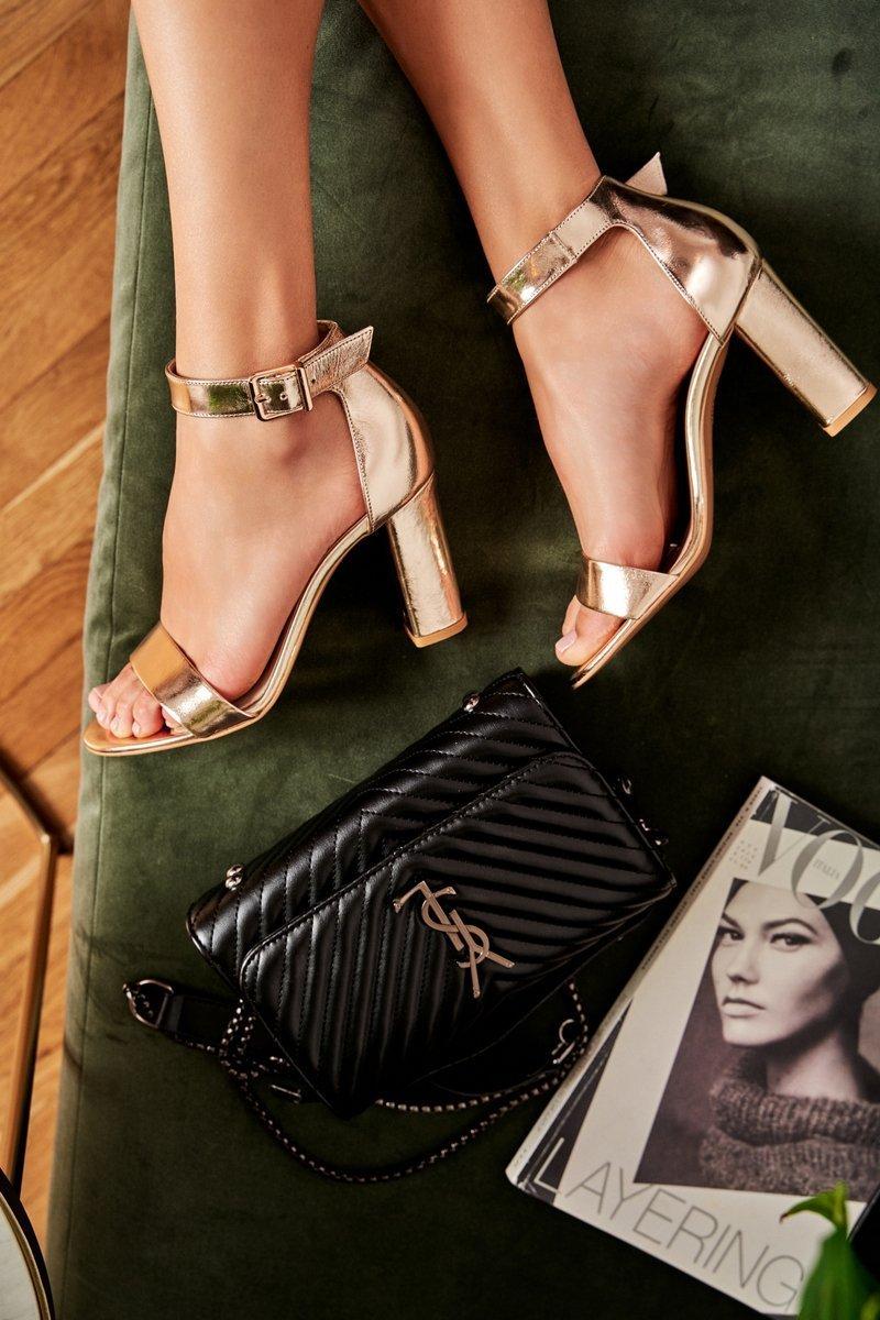 Dámske zlaté sandále - 40